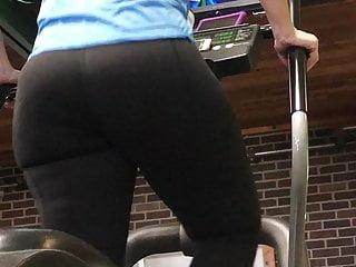 Big ass pawg milf