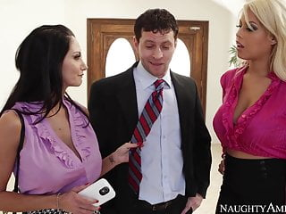 Blonde Blowjob Brunette video: naughty america Bridgette B. and Ava Addams fucking