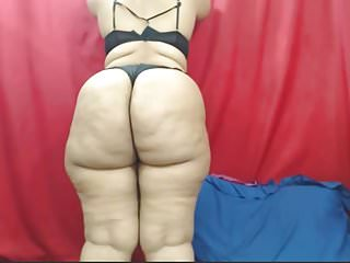 Big booty african pt 2...