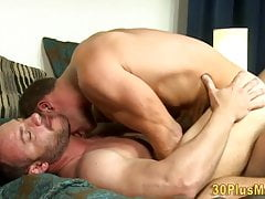 Buff bear cums tugging his cock