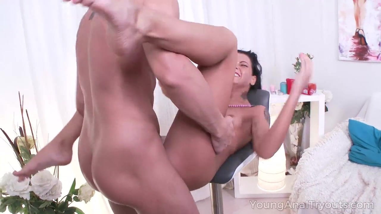 Girl Cums Alot Masturbating