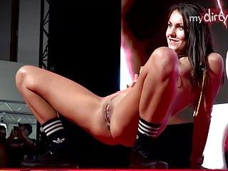 mydirtyhobby - mydirtyvenus 2019 berlin show on pole Porn Videos