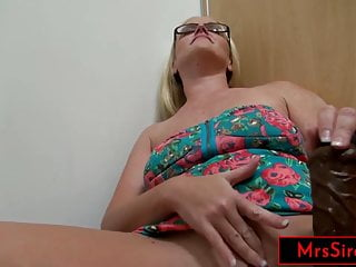 Wife Public Flashing Fisting and Squirting at the Mall