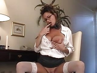 Chick masturbating...