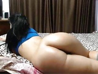 Indian girlfriend shows ass...