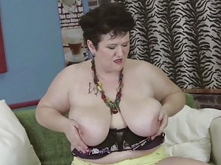 Big and mom need fuck...