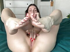 Foofetish and orgasm from Liza Virgin