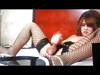 I adore shemales who cum like this...