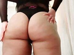 Latina Milf Shakes Her Ass For Me