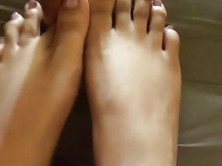 Light pink toes…