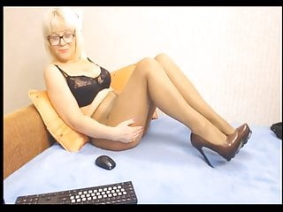 Hot mom in tights on webcam