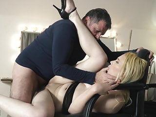 Teen knees sucking on grandpa cock taking facial...