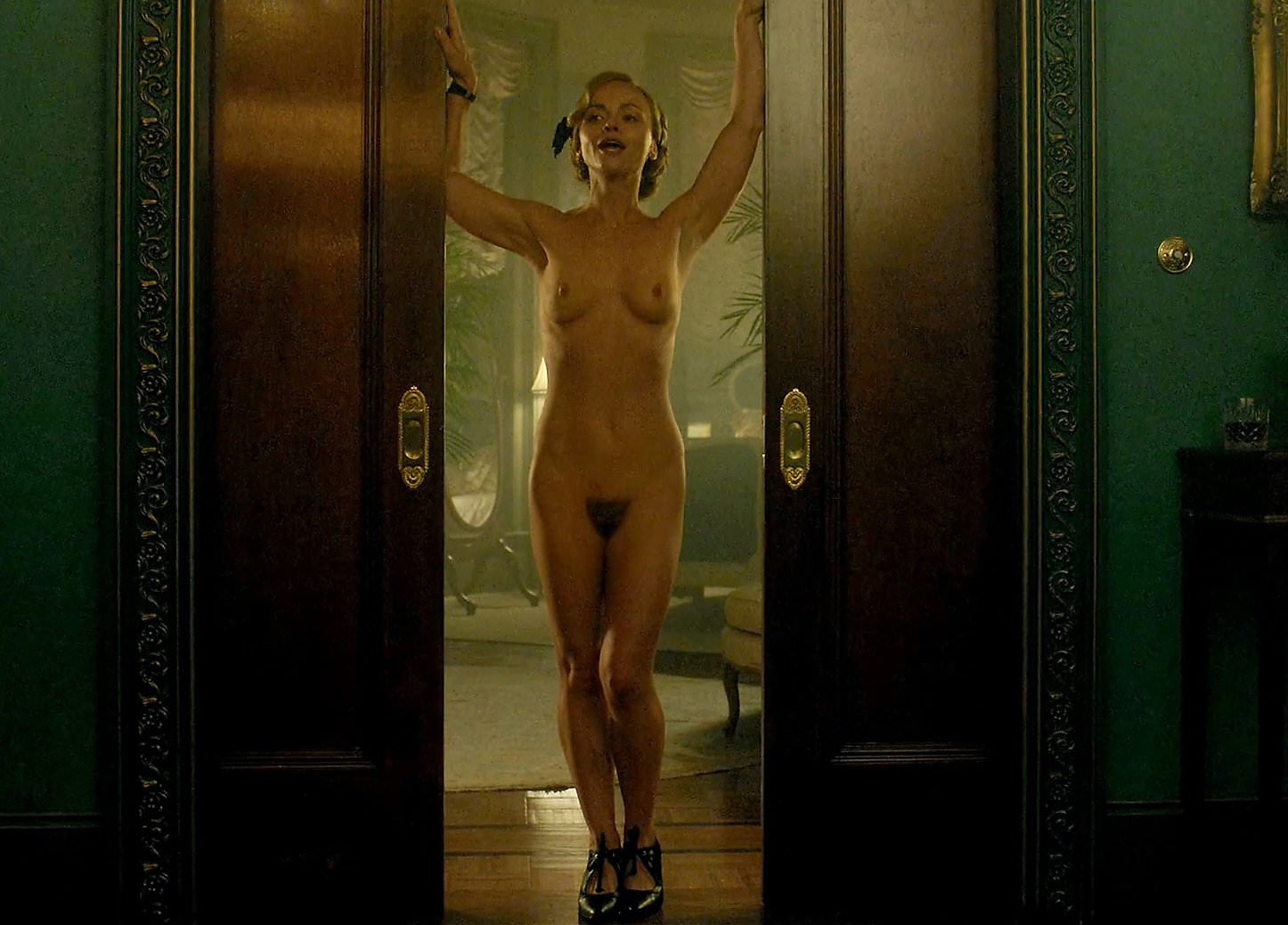 Christina ricci nude frontal porn images
