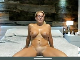 Granny is a fit cougar full nude close...