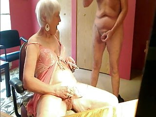 Webcam Fun Slut Sue Mature