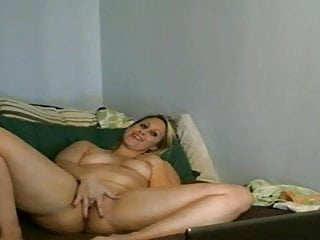Naked milf pussy tease...