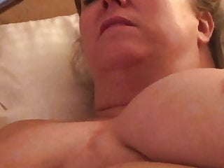 Sexy GILF masturbating to porn