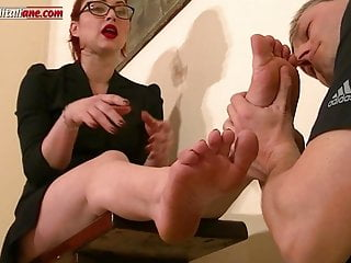 UI043-Uncle Asso s Lessons Trampling Ballbusting - Femdom 2
