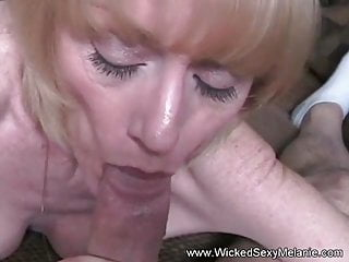 Granny Likes To Show Off Her BJ Skills