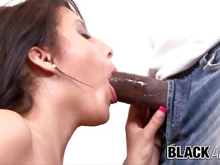 Black and Big - Latina Liv Aguilera