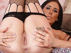Austin Lyn takes on big dildo