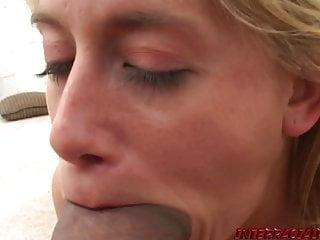 Latina Deepthroat Schwarzer Schwanz