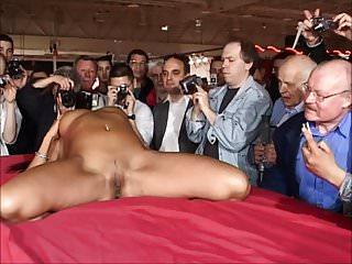 Striptease...
