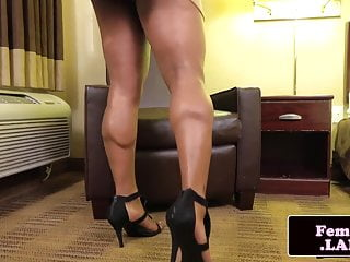 showing tgirl her bigass Black debut during