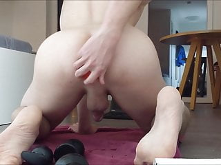 big plugs and apple in ass :)
