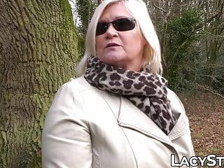 Blond grandma lesbian babe sex seduces stunning into
