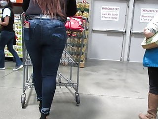 Mexican chick jeans and high heels pt 2...
