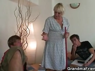 3some Cleaning orgy in woman involved