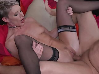 Modern mother suck and fuck and gets fist in vagina