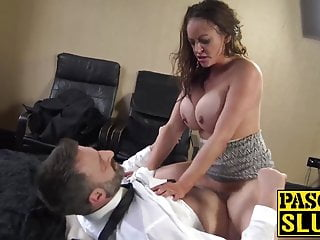 Luscious Vicki Powell pounded before mouthful of cum