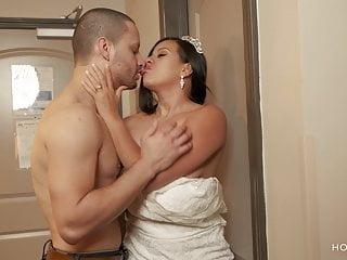 Hd Videos Puerto Rican Cheating video: Bride leaves groom planted and fucks ex boyfriend