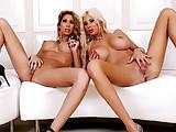 IntimateLesbians – Puma Swede e Kayla Carrera ama scopare