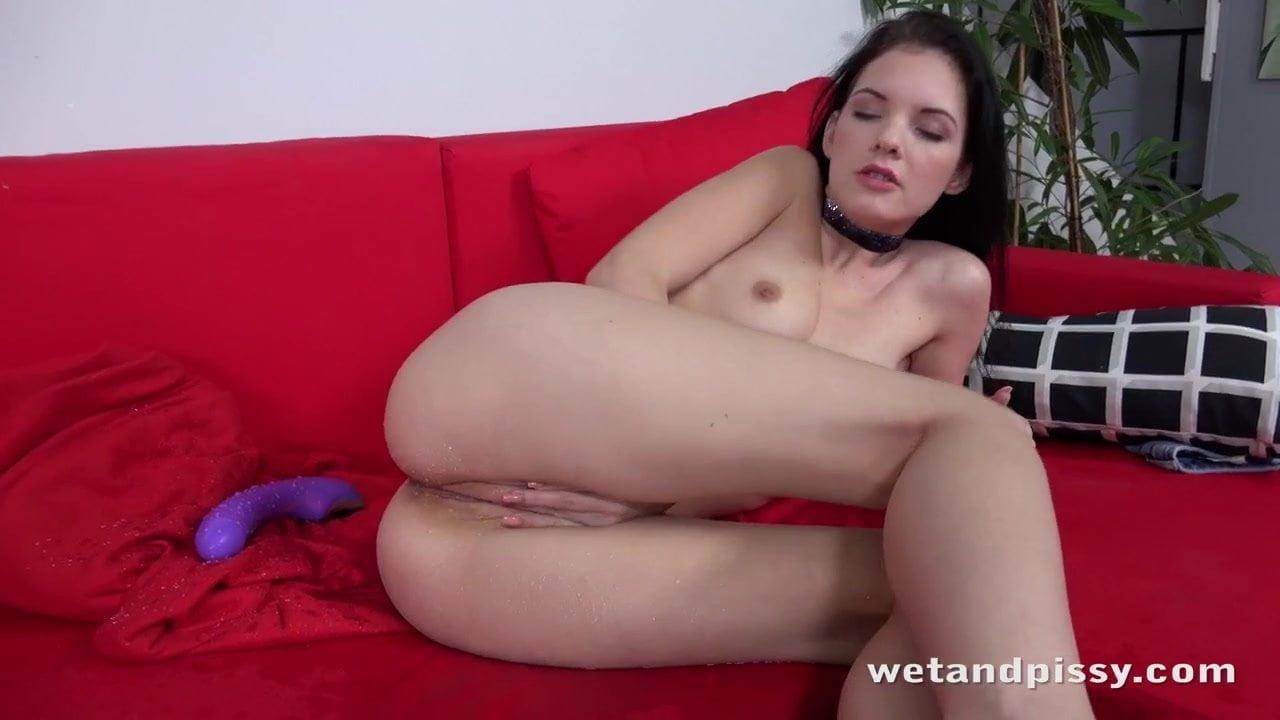 Spriccelős orgazmusos videó egy kis pisivel