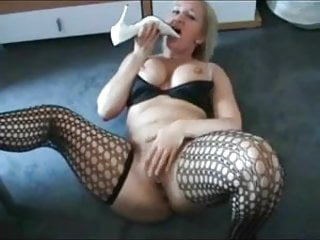Awesome titts and fucks her heels...