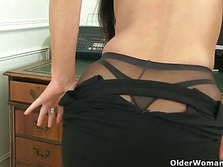 British milfs Ila Jane and Lelani can't resist their pussy