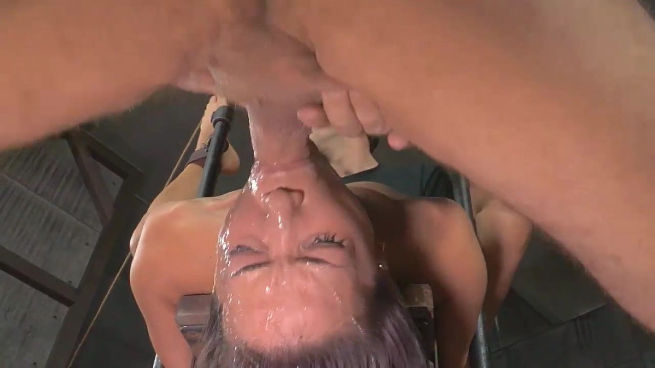 Amateur Asian Deep Throat