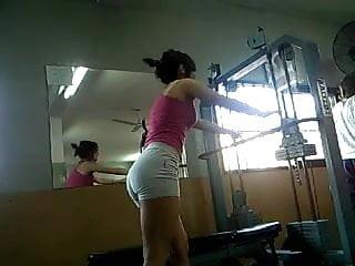 chica en el gimnasio (vaya culazo)