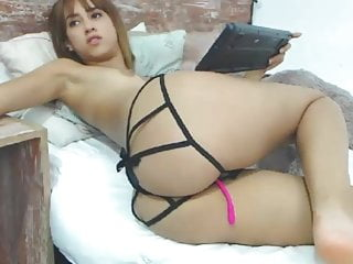 Sexy young girl on webcam Salome fit
