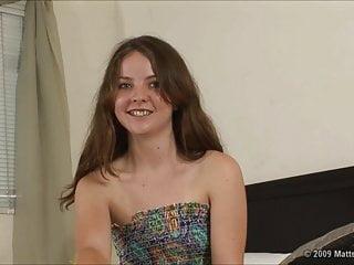 Audizione nervosa per la pelosa Seah di 18 anni