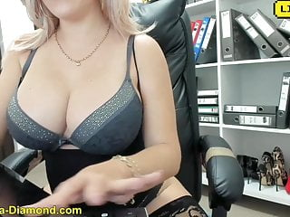 Matured fingering and squirting bigg boobs...