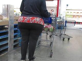 Wide pawg granny yoga pants...