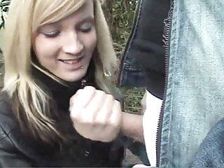 School gefilmt Blasen im Freien