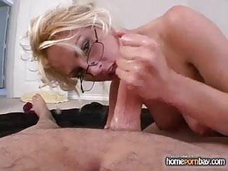 Blonde hot porn 2...