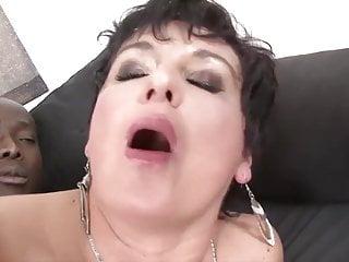 Granny hardcore fucked by black man loves a...