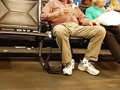 grandpa showing off his bulge manspreadingPorn Videos