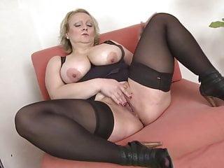 Madre matura bottino bianco con grandi tette